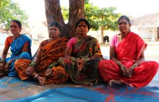 Från vänster: Soni, Mouri, Sathamma och Devuli