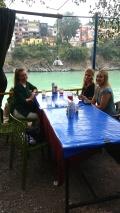 Fanny, Karin och Linnea vid Ganges