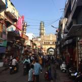 En gata vid Charminar, Hyderabad.