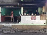 Hotel Rawat med servitör och kock.