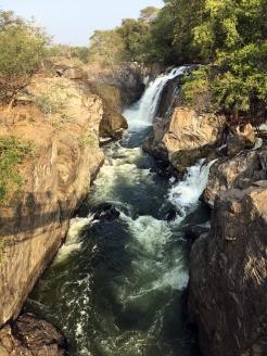 Vattenfallet där vi tog vår morgondusch