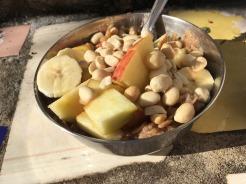 Är det soligt så äter jag ibland frukost utomhus